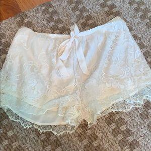 Anthropologie ivory lace shorts